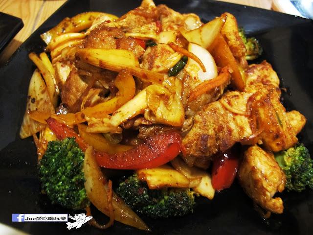 IMG 0775 - 【台中美食】大發炸雞 | 超好吃的韓式沾料炸雞,每一口都很啾C,還有韓式熱炒也令人驚艷啊!