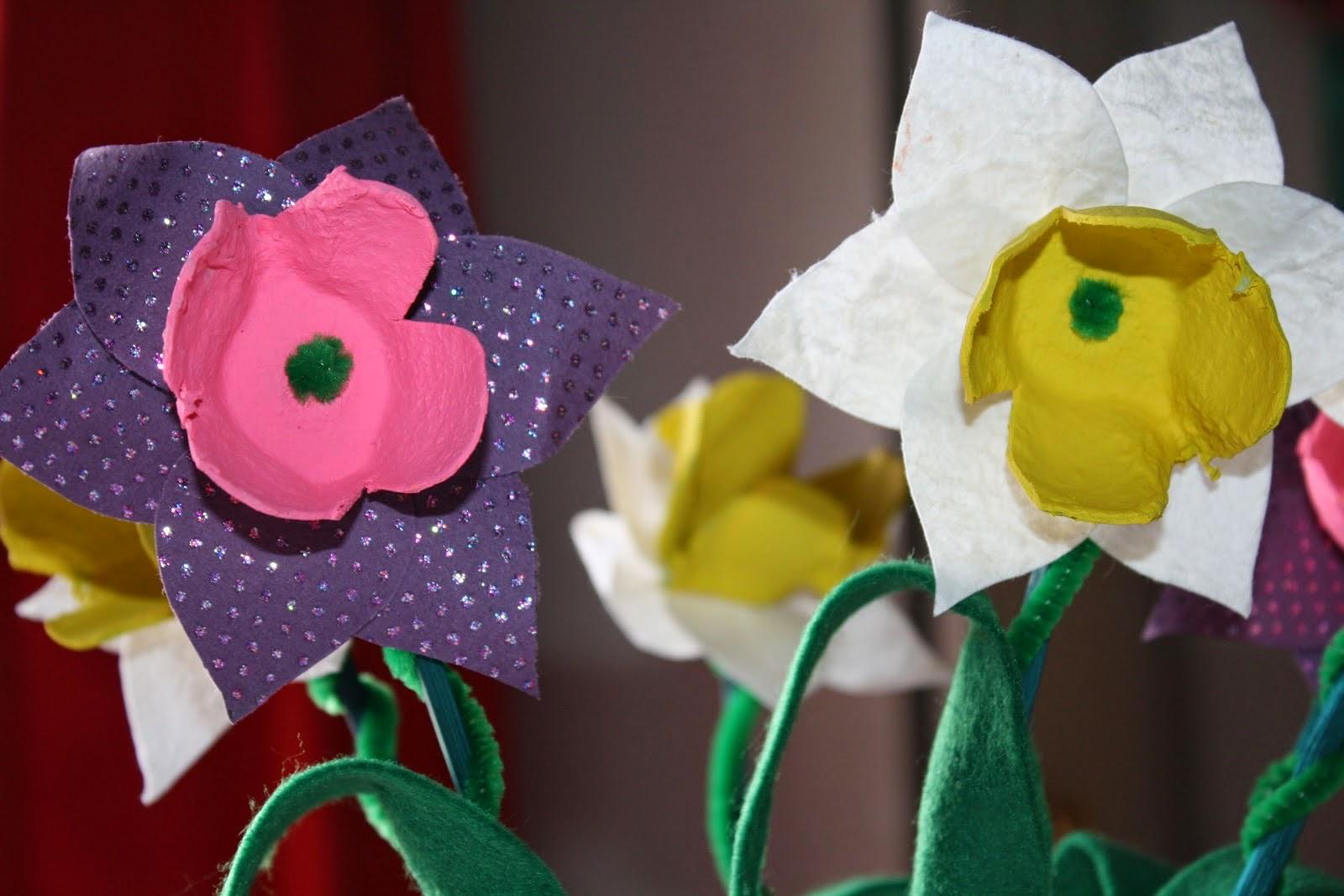 egg box daffodils