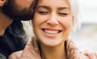 Τα 6 παράξενα σημάδια που μαρτυρούν ότι θα ταιριάξετε ερωτικά