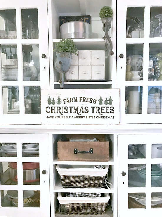 Rustic Christmas Tree Farm sign and other blog hop christmas favorites