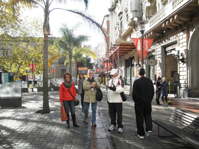 Passeio pela peatonal Sarandi Montevidéo
