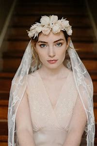 K'Mich Weddings - wedding planning - veil with floral crown - white print