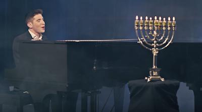 """Naftali Blumenthal interpretando la hermosa canción """"Chasoif"""". ¡Disfruta y Compártela!."""