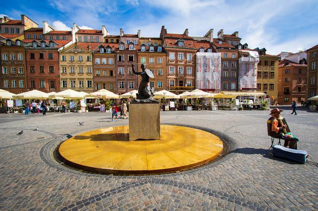 Piazza della città vecchia-Rynek Starego Miasta-Varsavia