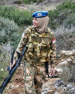 Tentara Indonesia Cantik Berhijab