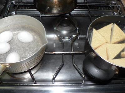 ゆで卵に厚揚げ油抜き