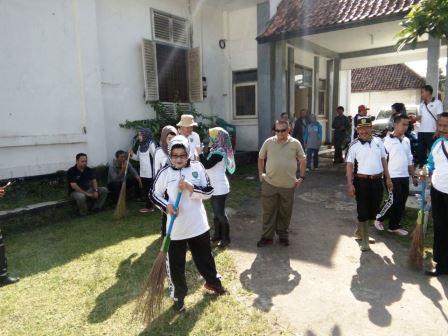 Pemkab Subang Aktifkan Kembali Program Jumat Bersih