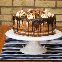 http://www.bakingsecrets.lt/2015/06/tortas-snickers-snickers-layer-cake.html