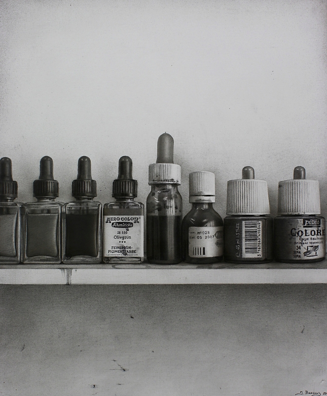 02-Colors-Javier-Banegas-Black-and-White-Realistic-Mixed-Media-Drawings-www-designstack-co