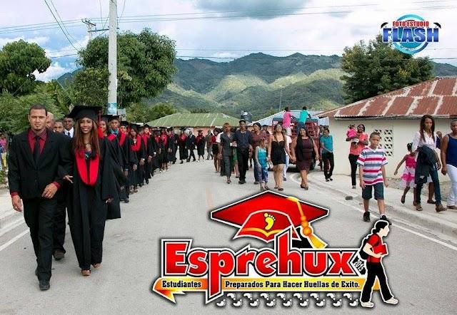 Gradúan 29 nuevos bachilleres Liceo Yaque