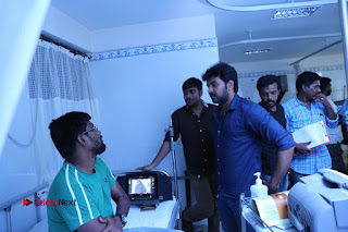 Enakku Vaaitha Adimaigal Tamil Movie Working Stills  0014.JPG