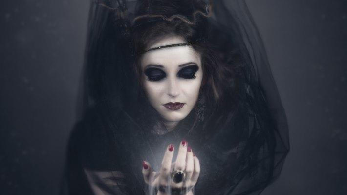 Wallpaper 3: Witch. Vampire. Girl Halloween Costume