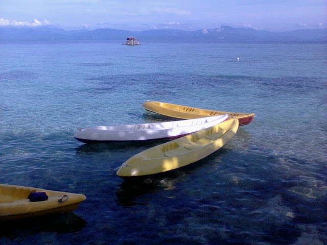 kayaks at Hale Manna Beach Resort
