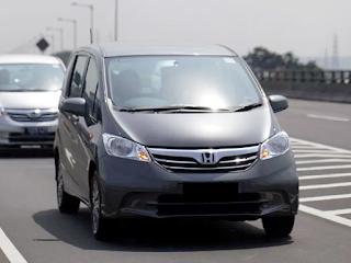 Pilihan Mobil Bekas Untuk Ibu Rumah Tangga (IRT)