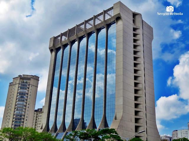Vista ampla do imponente Edifício Sede da IBM - Paraíso - São Paulo