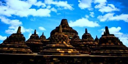 Candi Borobudur di Jawa Tengah tempat wisata di indonesia dengan bahasa inggris tempat wisata di indonesia dan sejarahnya tempat wisata di indonesia dalam bahasa inggris tempat wisata di indonesia dan letaknya tempat wisata di indonesia dan daerahnya