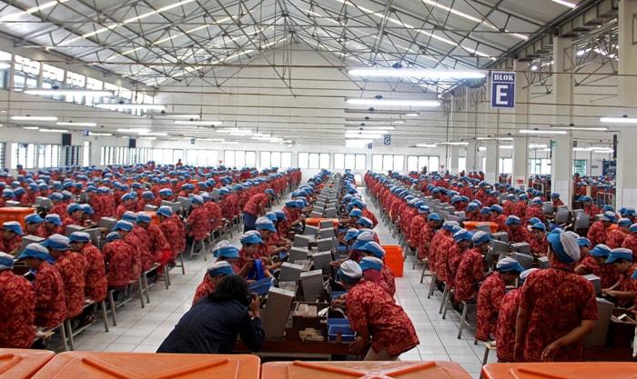 Contoh surat lamaran kerja pabrik sebagai buruh