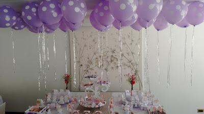 decorar decora decoração festa aniversario bola balão balões bexiga bexigas enfeite enfeitar mesa bolo lindo facil simples barato criativo helio teto fitilho em cima