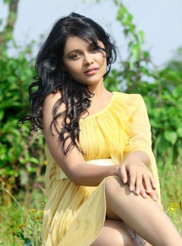 Prarthana Behere Wallpapers - Karamnook.com   Marathi ...