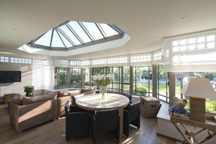 Cerramientos para terrazas llenas de luz guia de jardin for Cerramientos patios interiores