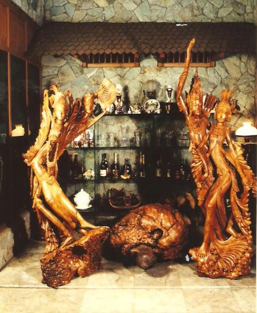 bali wooden sculpture