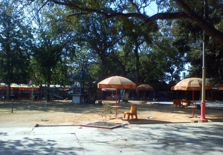 Tempat bermain di taman kartini (Dampo Awang Beach)