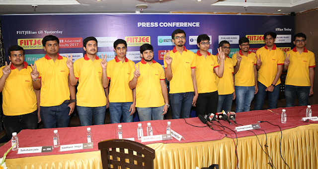 Students of FIITJEE Punjabi Bagh centre secured the Delhi State 2nd Topper title in JEE Advanced, 2017