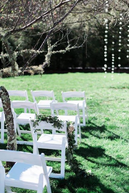 Old Edwards Inn, North Carolina, Florist, Atlanta florist, Atlanta creatives, Bride & Groom, flower girls, bridal bouquet, outdoor wedding, flowers, wedding flowers,