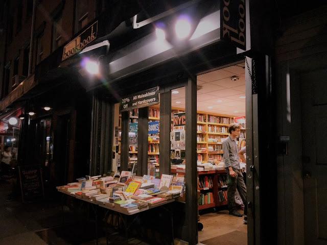 Uma-miúda-em-Nova-Iorque-3-armazem-de-ideias-ilimitada-book-store-by-night