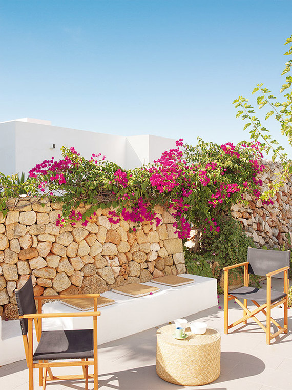 Summer home in Menorca via micasa