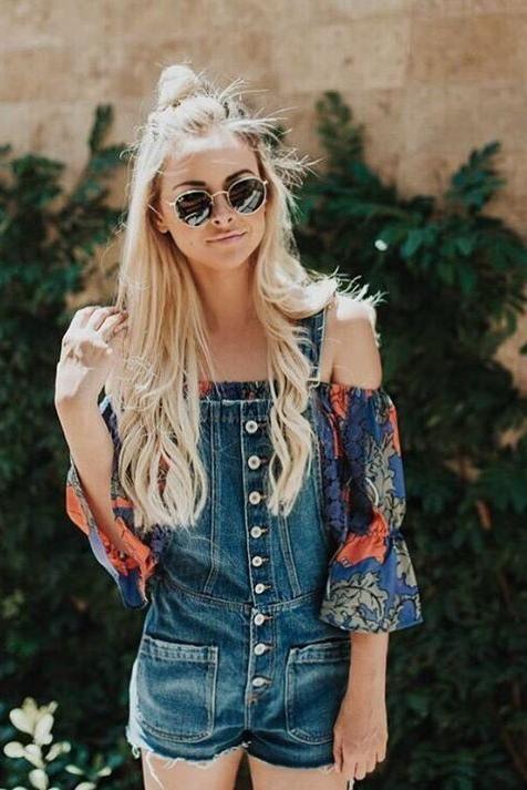 d7fa52599757f Eu confesso que não saio sem óculos de sol e adoro quase todos os modelos! Acho  super legal variar e escolher um