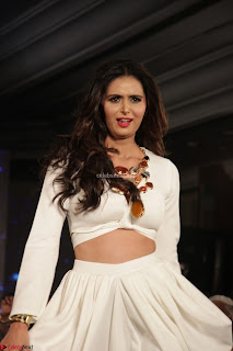 Meenakshi Dixit Walks the Ramp At Designer Nidhi Munim Summer Collection Fashion Week (2).JPG