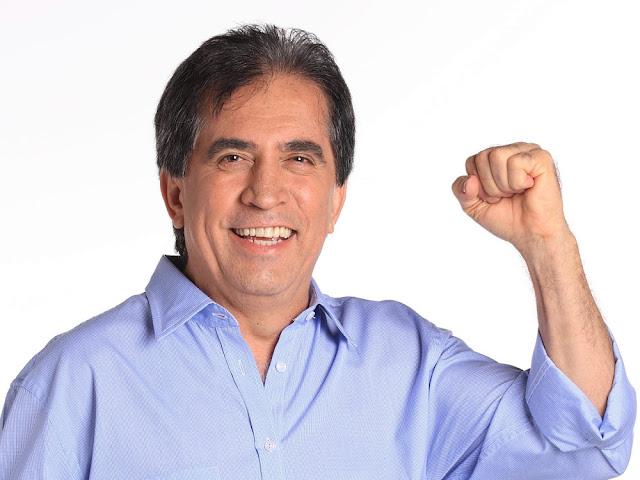 O comunicador Eli Correia, da Rádio Capital AM de São Paulo, vencedor do troféu de melhor apresentador de Rádio de 2017, segundo a APCA (Foto: Divulgação)