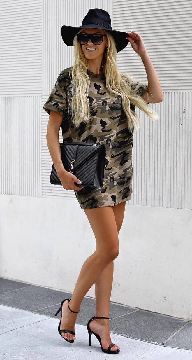what to wear with a pair of black heels : khaki tee dress + hat + bag