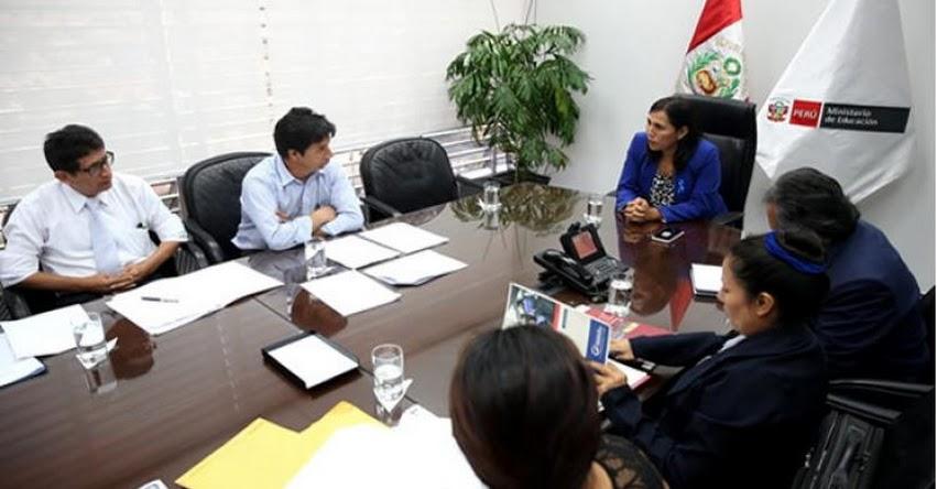 MINEDU: Ministra de Educación Flor Pablo se reúne con profesor Pedro Castillo - www.minedu.gob.pe