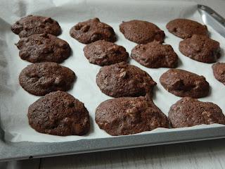 Fursecuri cu ciocolata si nuci