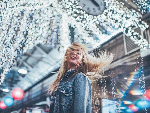 Brandon Woelfel arte fotografia artística romântica cores luzes urbanas contos de fada hipster mulheres óculos modelos