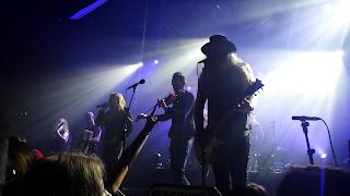 Une de mes photos du concert de Korpiklaani (Limoges, 15.04.16)
