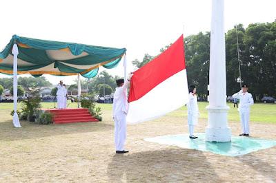 HUT Lampung Timur, 24 Orang Terima Tanda Kehormatan Satyalancana Karya Satya