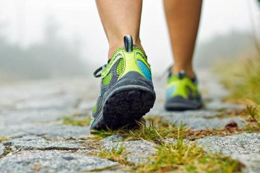 Como se debe caminar para bajar de peso