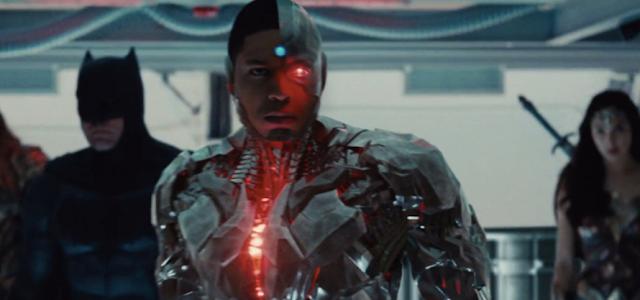 """Zack Snyder diz que Ciborgue de Ray Fisher é """"o coração"""" da 'Liga da Justiça'"""
