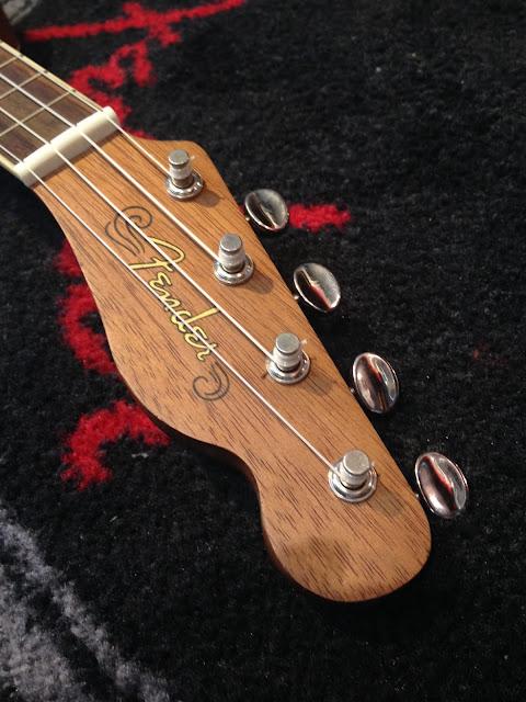 Fender ウクレレ