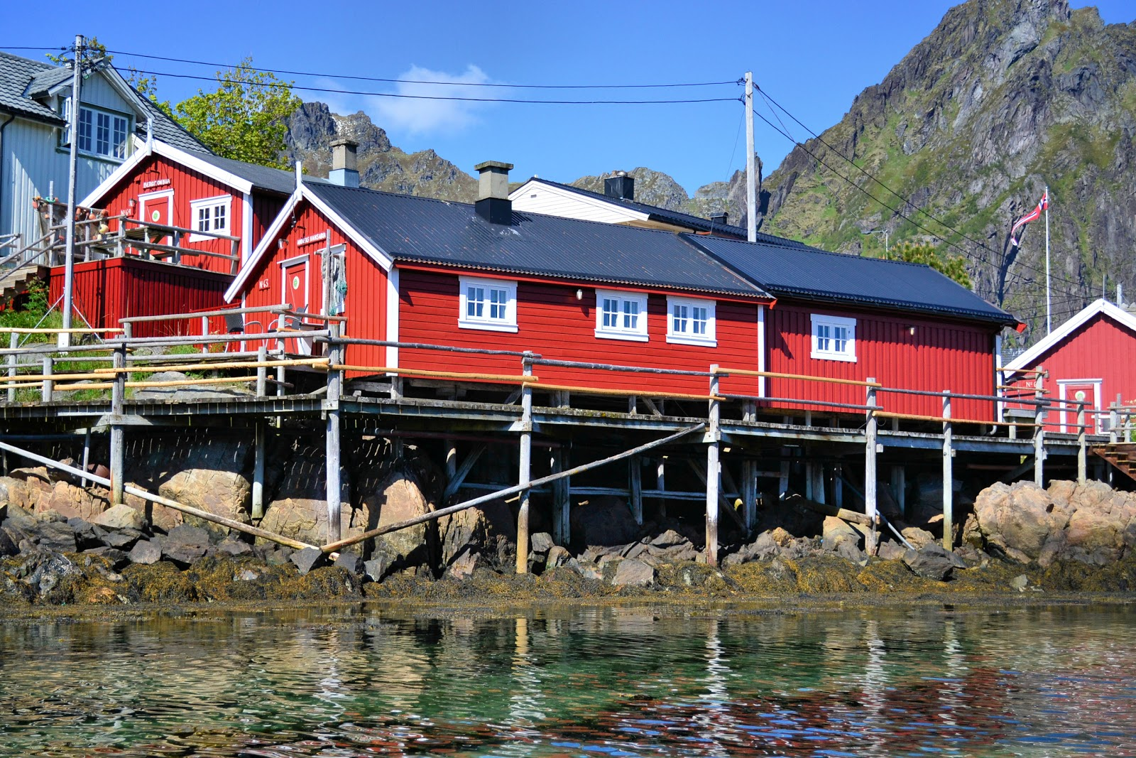 While kayaking with XXLofoten, my kayak pilot pilot Miriam explained that these rorbuer date back to the 18th century.