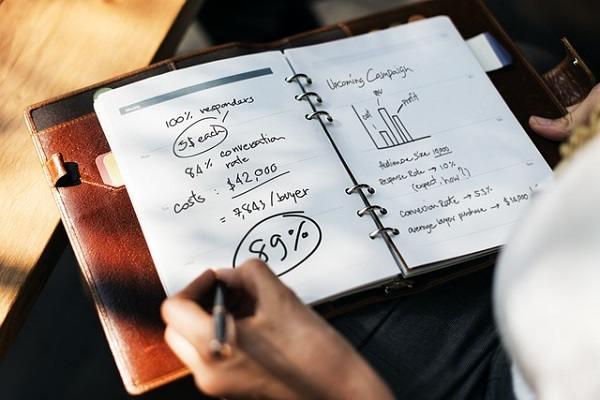 Cara Menghasilkan Uang dengan Blog Menurut 23 Blogger yang Sukses