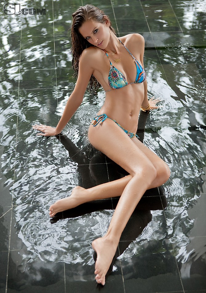 Izabel Goulart (SI Swimsuit 2011)