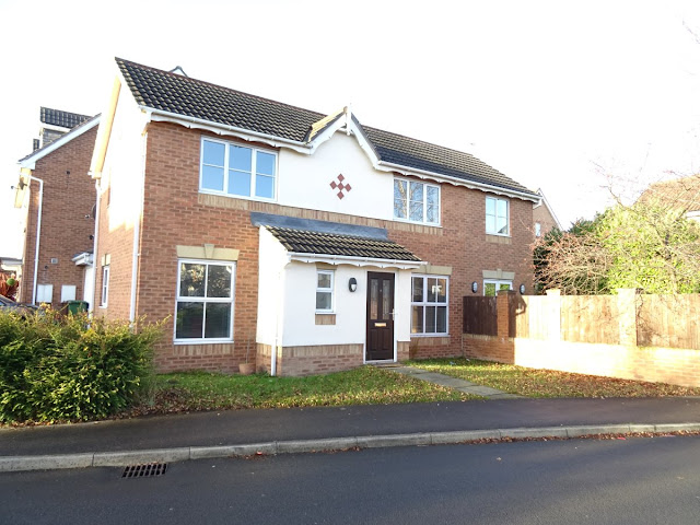 This Is Wakefield Property - 4 bed detached house for sale Weavers Chase, Alverthorpe, Wakefield WF2