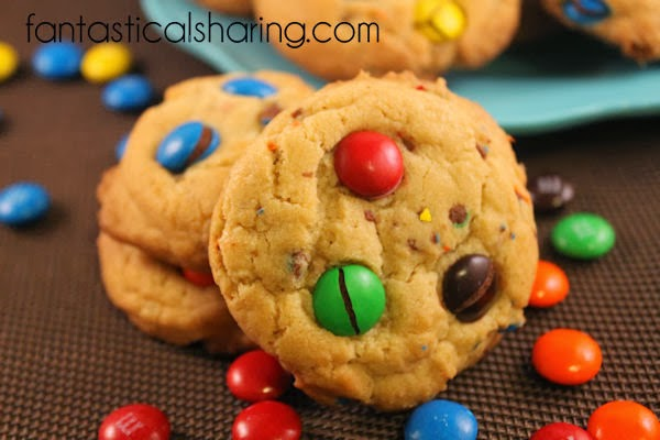 Soft & Chewy M&M Cookies #cookies #dessert #chocolate