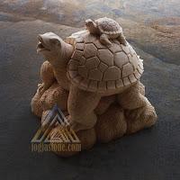 patung dari batu paras jogja atau batu putih