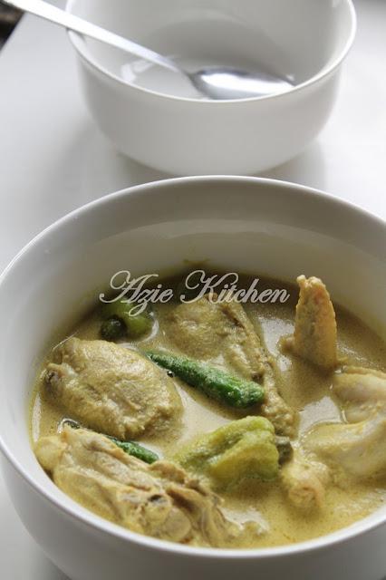 Gulai Lemak Kuning Ayam