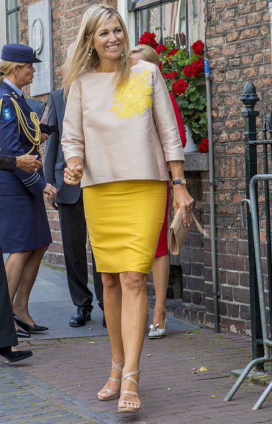 Queen Maxima attended the 650th anniversary of Bartholomeus Gasthuis in Utrecht. Maxima wore Natan dress